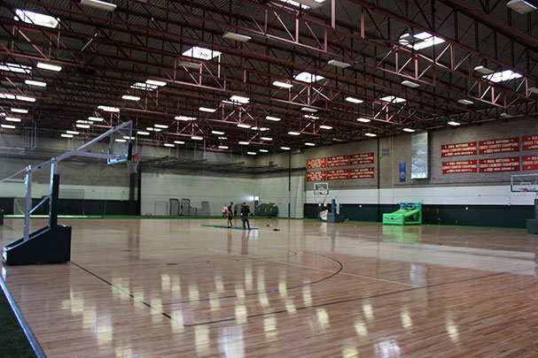 Plachy field house